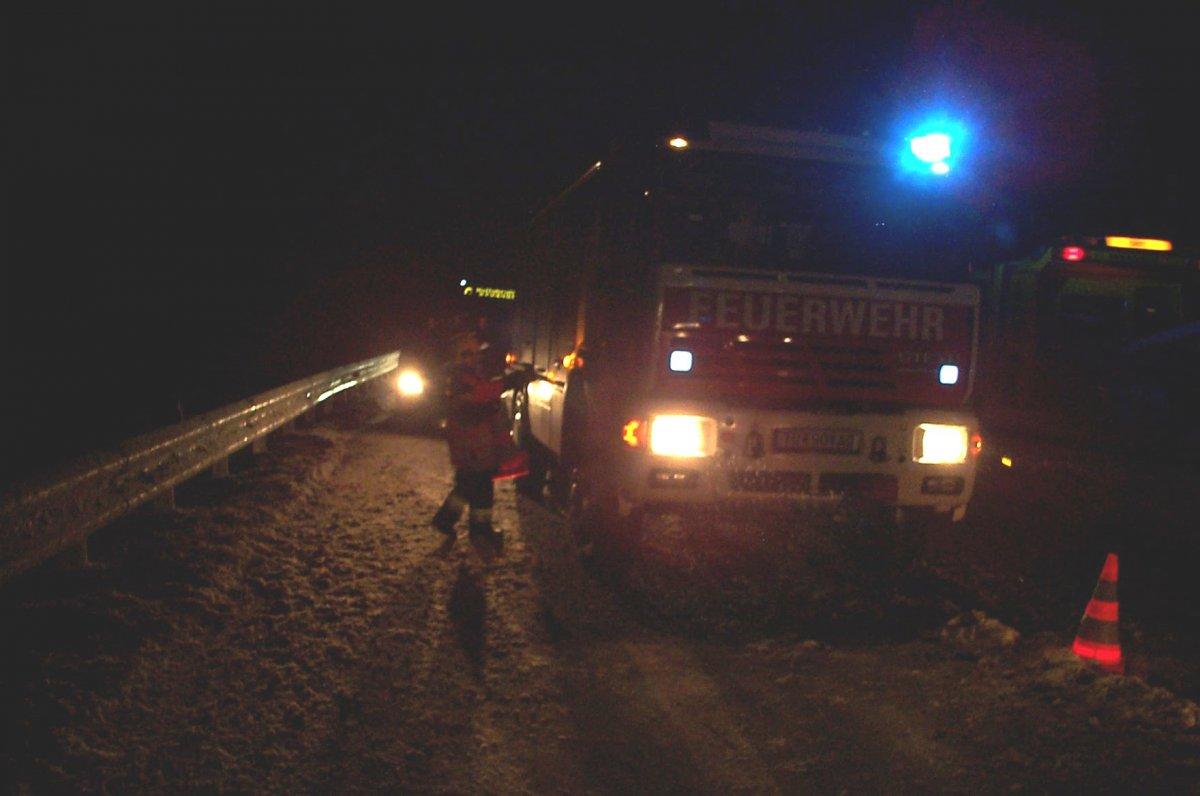 Fahrzeugbergung auf der schneeglatten S5