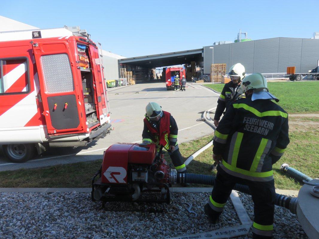 Übung: Großbrand bei  Fa. Sachseneder Grafenwörth